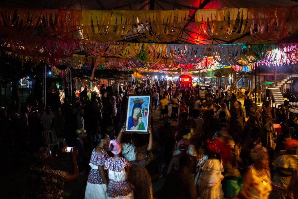 Hundreds congregated in the central square of Quinamayó to honor the Virgin Mary.